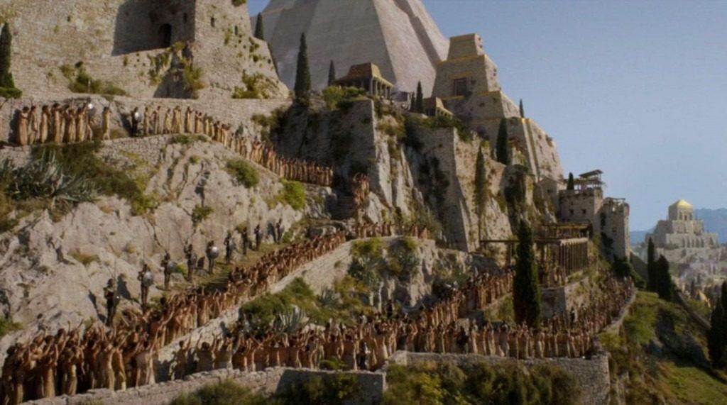 Les contreforts de la cité de Meereen, saison 4 - tournage de Game of Thrones